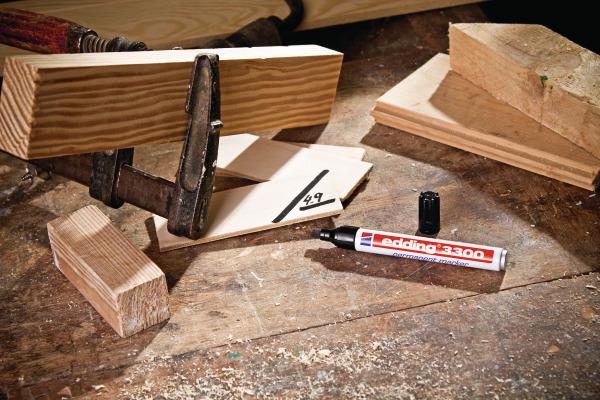 EDDING Permanent Marker 3300 1-5mm 3300-2 rot