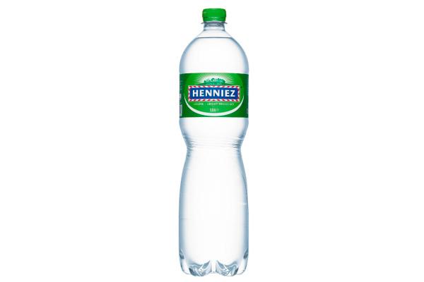 HENNIEZ Mineralwasser grün PET 1.5lt 8241 6 Stück wenig Kohlensäure