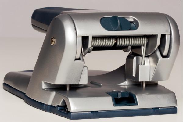 LEITZ Registraturlocher 8cm 5.5mm 51800095 schwarz für 65 Blatt