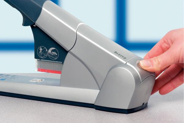 LEITZ Blockheftmaschine 5551 8mm 55510084 silber, für 80 Blatt